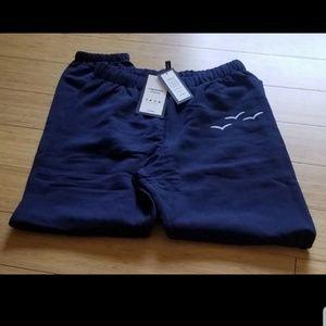 niki lazy pants